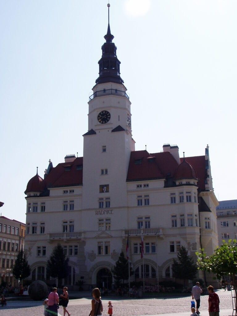 Věž zvaná Hláska. Dnes sídlo radnice.