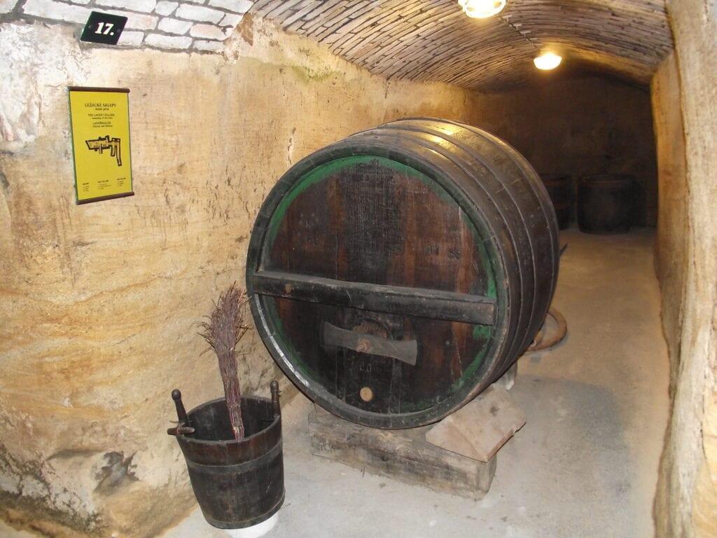 Pivovarský sud v podzemí muzea