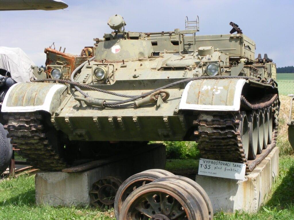 Sovětský tank T-55 v Air Parku Zruč