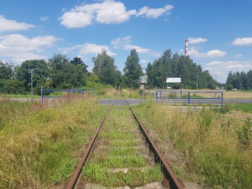Projít se trase bývalých kolejí může mít svůj půvab.