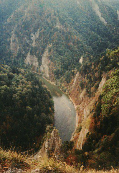 Dunajec protéká krásným kaňonem.