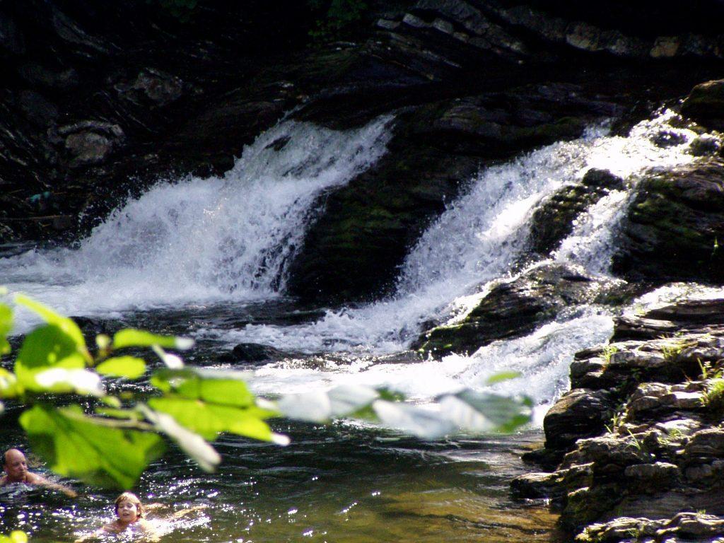 Uchvátí vás krásná řeka Ostravice.