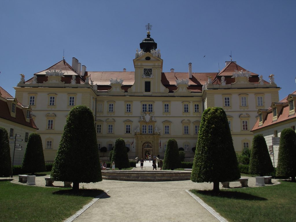 Valtický zámek je nádherný.