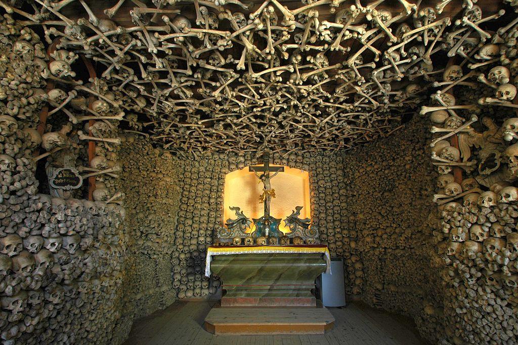 Už samotný oltář má svou zvláštní atmosféru.