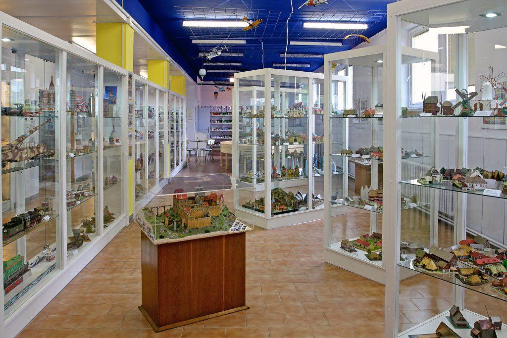 Navštivte Muzeum papírových modelů a obdivujte jemnou práci a trpělivost modelářů.